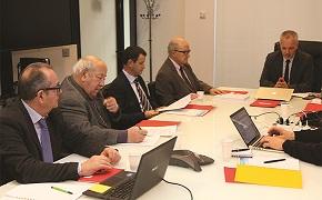 Gérard Colnat lors d'une réunion sur le sport sur ordonnance, au CNOMK, le 22 janvier 2016, en présence de l'ancien ministre des Sports Alain Calmat.